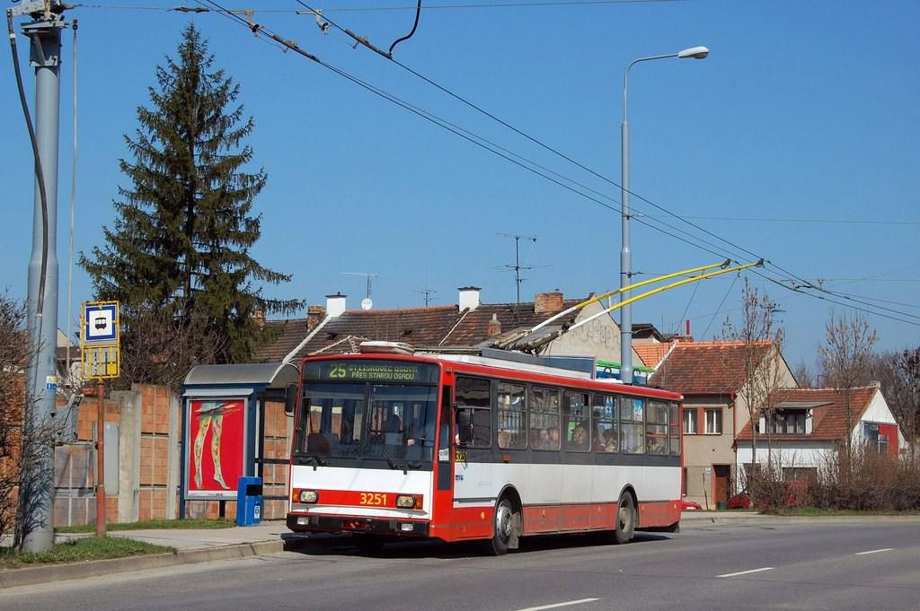 Fotogalerie » Škoda 14TrR 3251 | Brno | Židenice | Svatoplukova | Svatoplukova