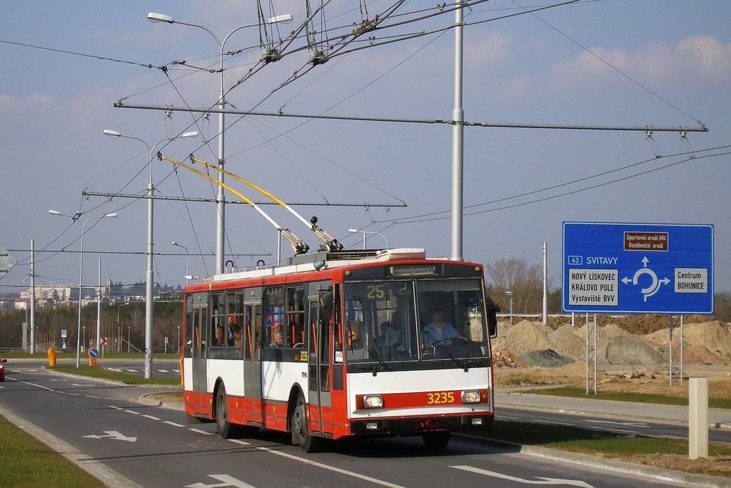 Fotogalerie » Škoda 14Tr10/6 3235 | Brno | Bohunice | Netroufalky