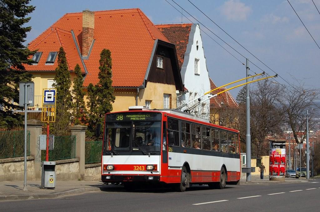 Fotogalerie » Škoda 14TrR 3243   Brno   Masarykova čtvrť   Tvrdého   Žlutý kopec