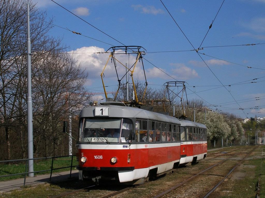 Fotogalerie » ČKD Tatra T3G 1608   ČKD Tatra T3G 1606   Brno   Žabovřesky   Kníničská
