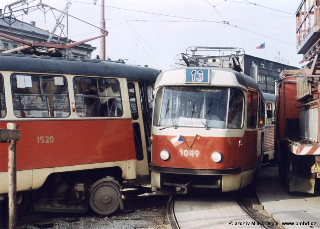 Fotogalerie » ČKD Tatra K2 1049 | ČKD Tatra T3 1520 | Brno | střed | Nádražní