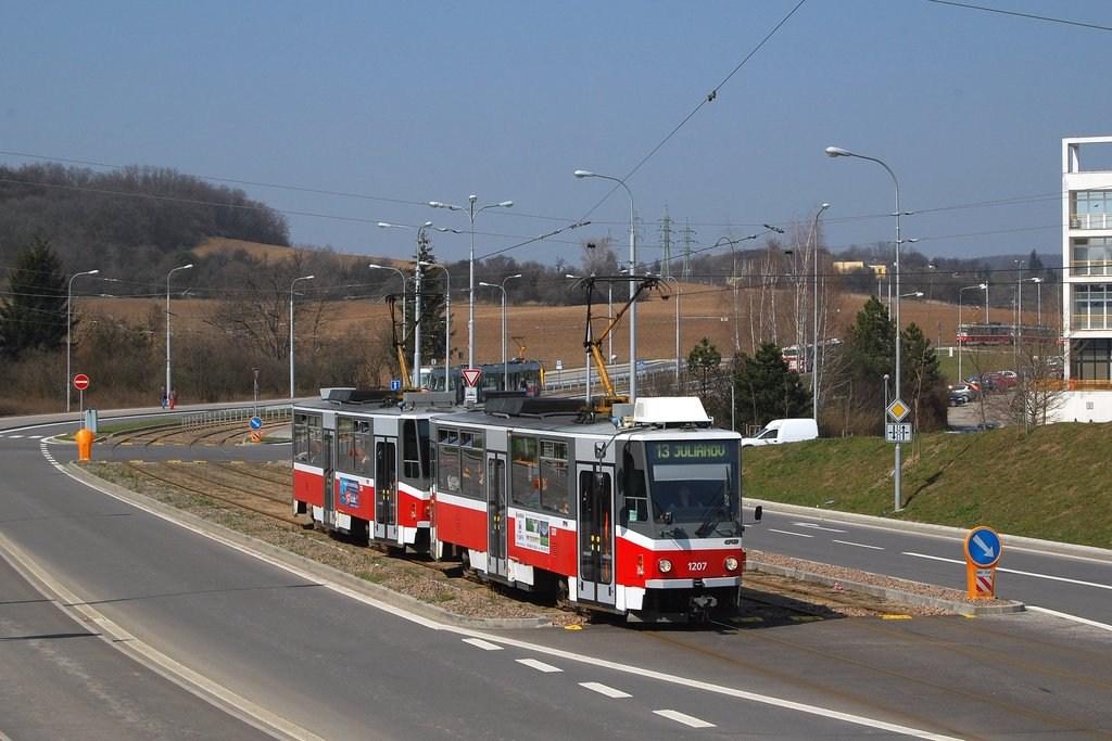 Fotogalerie » ČKD DS T6A5 1207 | ČKD DS T6A5 1208 | Brno | Královo Pole | Purkyňova