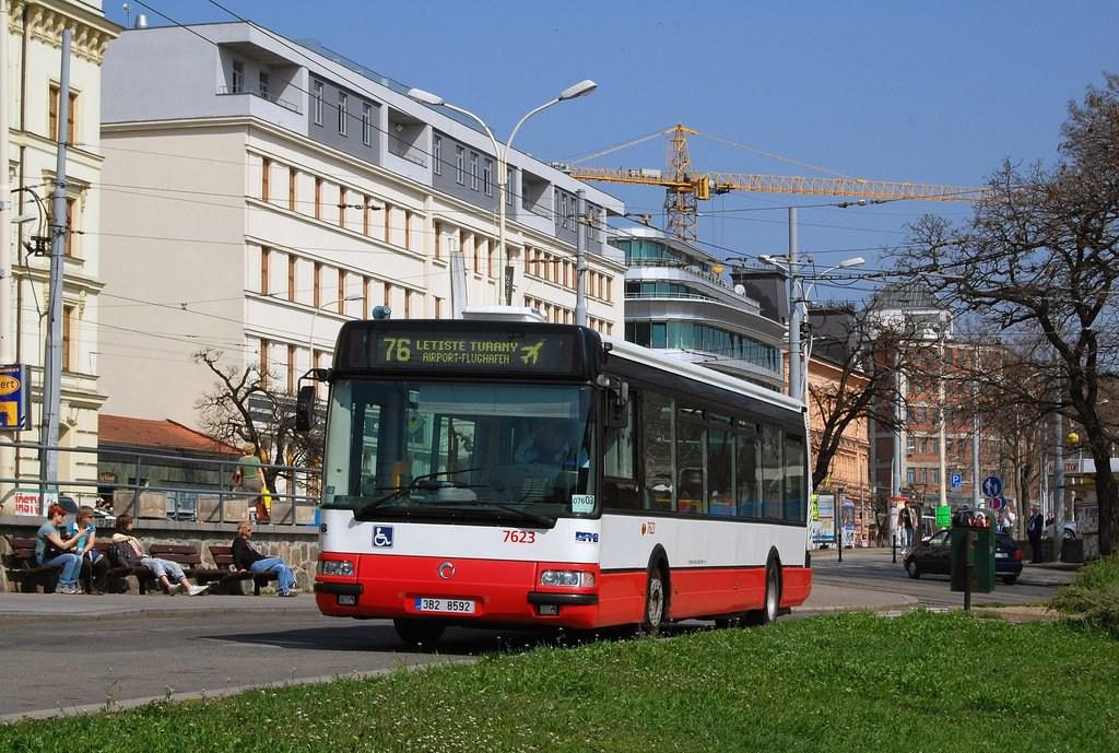 Fotogalerie » Irisbus Citybus 12M 2071.40 7623 | Brno | střed | Benešova | Hlavní nádraží, smyčka