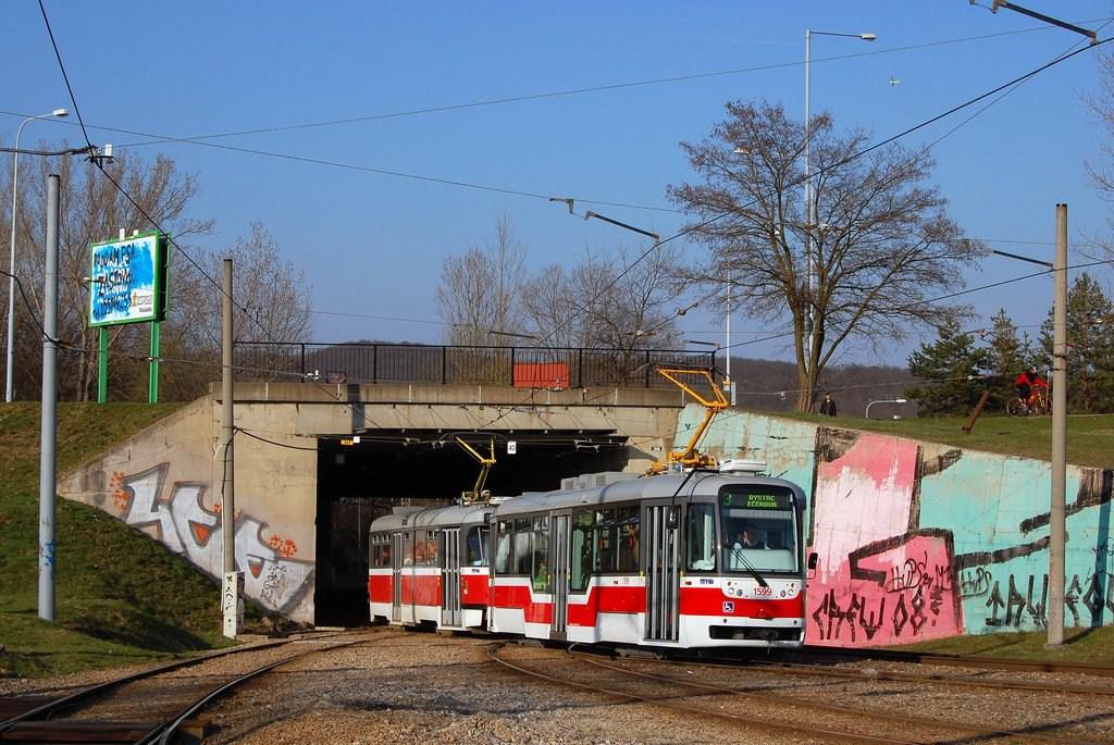 Fotogalerie » Pragoimex VarioLFR.E 1599   Pragoimex T3R.EV 1569   Brno   Bystrc