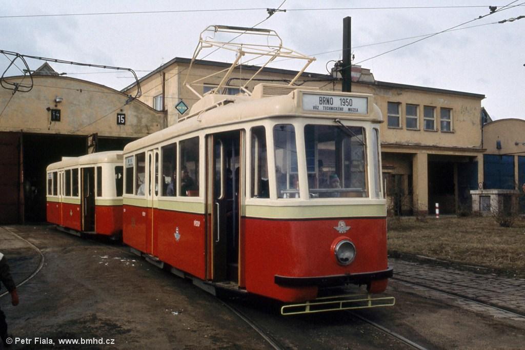 Fotogalerie » KPS Brno 4MT 126 | vv4 301 | Brno | vozovna Medlánky