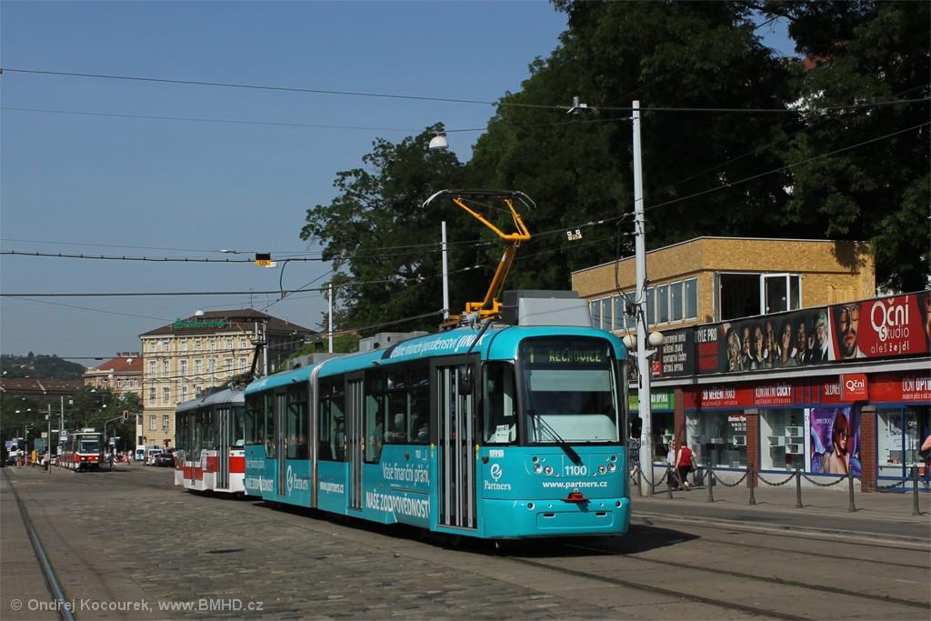 Fotogalerie » Pragoimex VarioLF2R.E 1100   Pragoimex VarioLFR.E 1573   Brno   střed   Nádražní