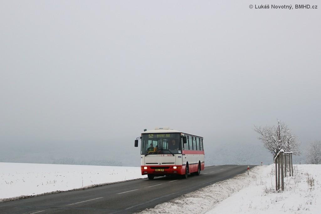 Fotogalerie » Karosa B931E.1707 BSH 16-32 7470 | Brno | Žebětín | Kohoutovická | Kopce