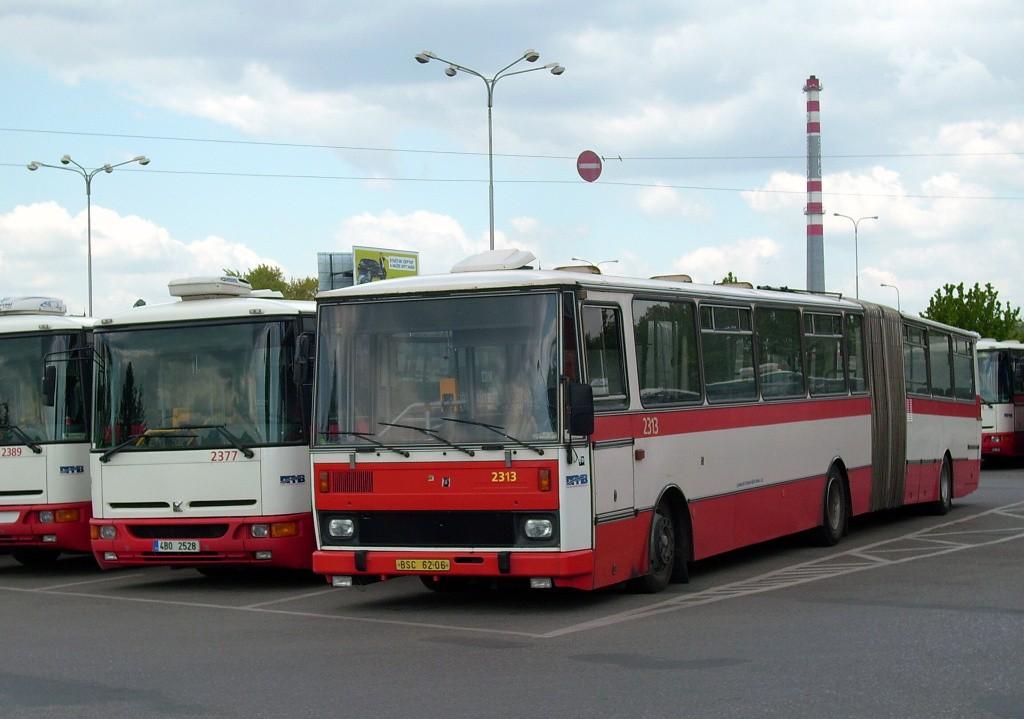 Fotogalerie » Karosa B961E.1970 4B0 2528 2377 | Karosa B741.1924  BSC 62-06 2313 | Brno | Vozovna Slatina