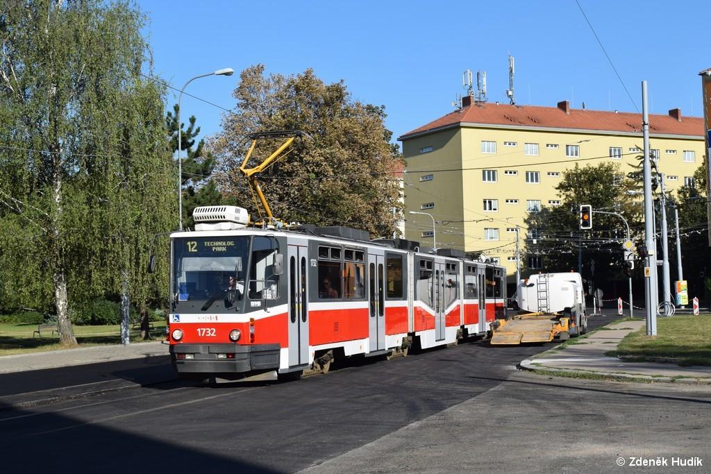 Fotogalerie » ČKD Tatra KT8D5N 1732 | Brno | Žabovřesky | Jana Babáka