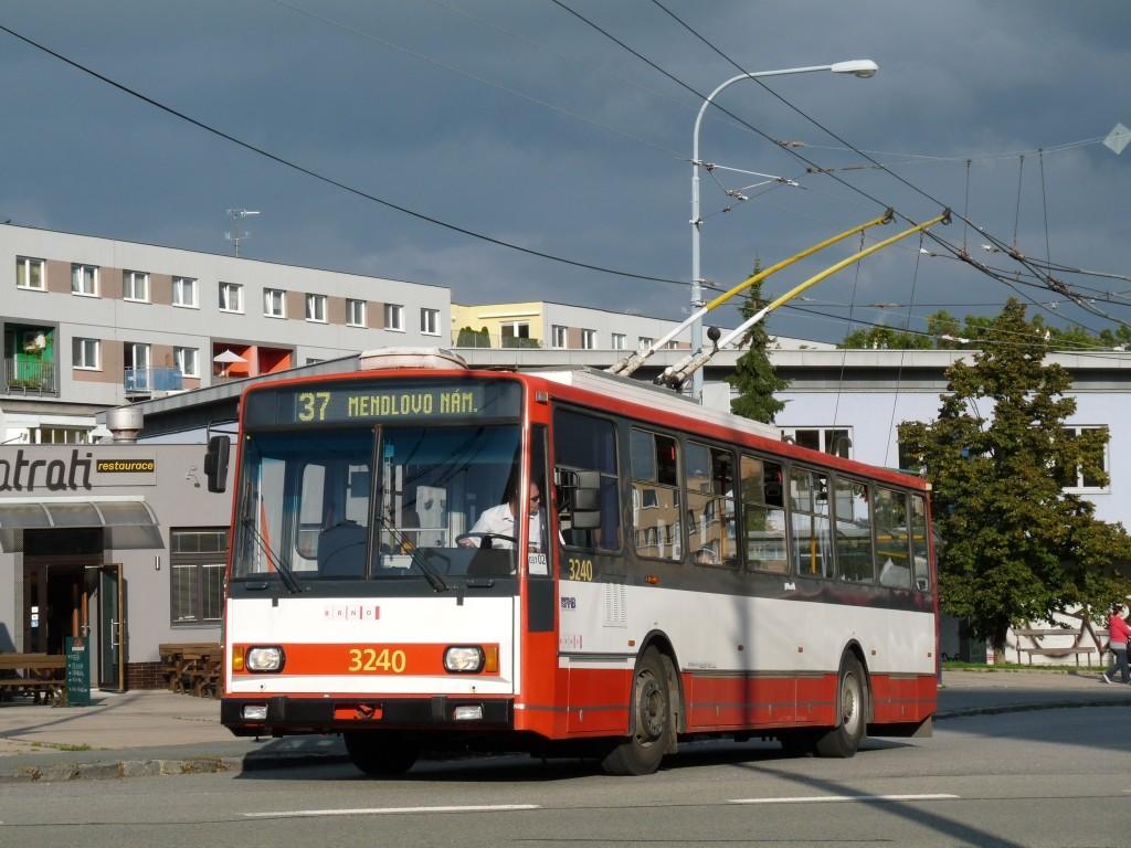 Fotogalerie » Škoda 14TrR 3240   Brno   Kohoutovice   Libušina třída