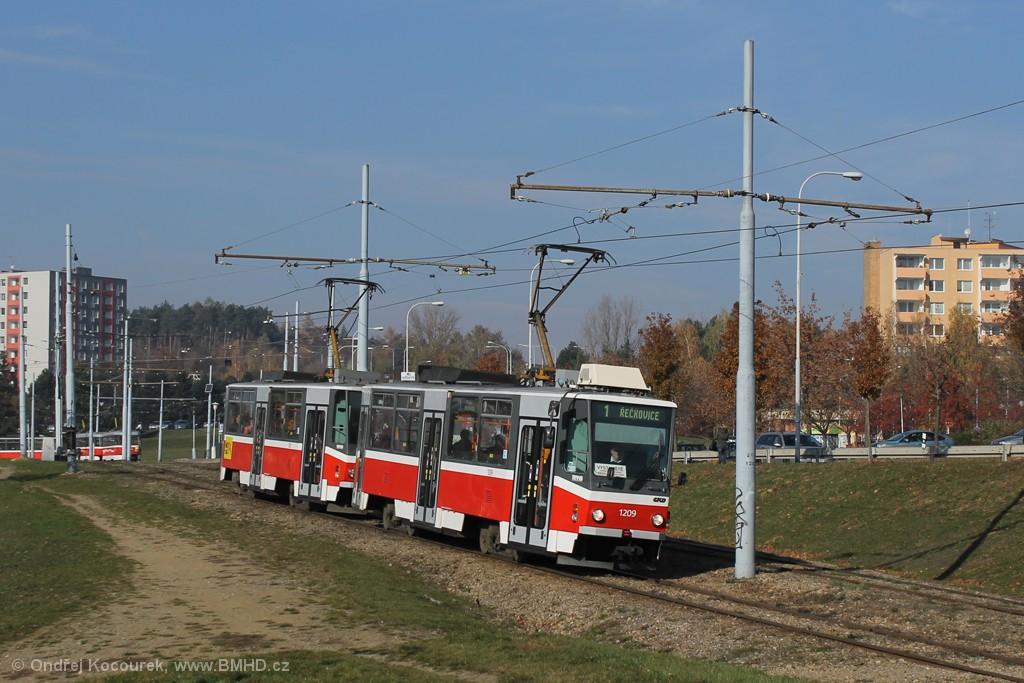 Fotogalerie » ČKD DS T6A5 1209 | ČKD DS T6A5 1210 | Brno | Bystrc | Vejrostova