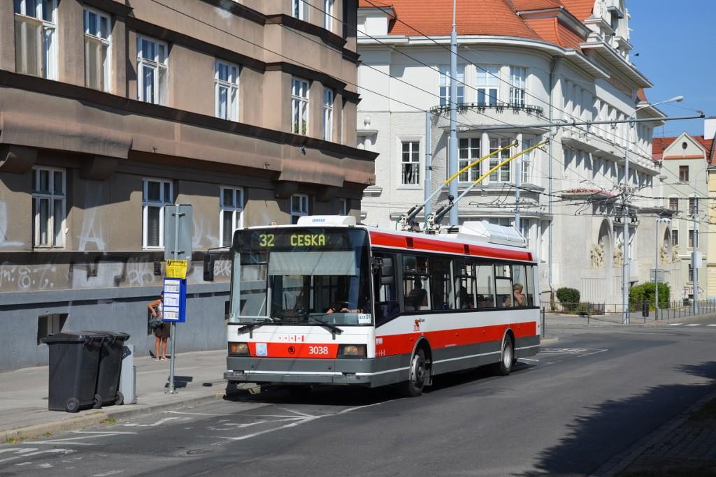 Fotogalerie » Škoda 21Tr 3038 | Brno | Královo Pole | Slovanské náměstí | Slovanské náměstí