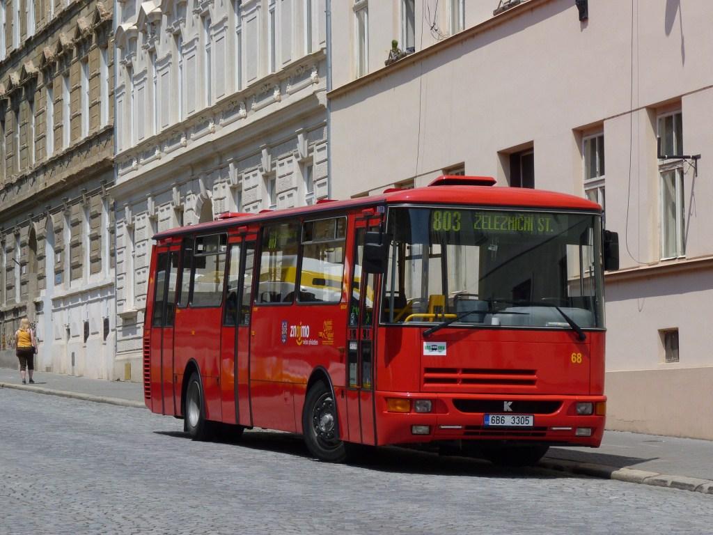 Fotogalerie » Karosa B932E 6B6 3305 | Znojmo | Rudoleckého | Autobusové nádraží