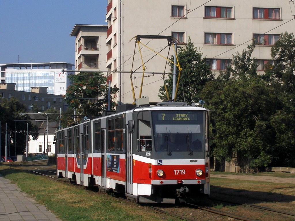 Fotogalerie » ČKD Tatra KT8D5R.N2 1719 | Brno | Staré Brno | Veletržní