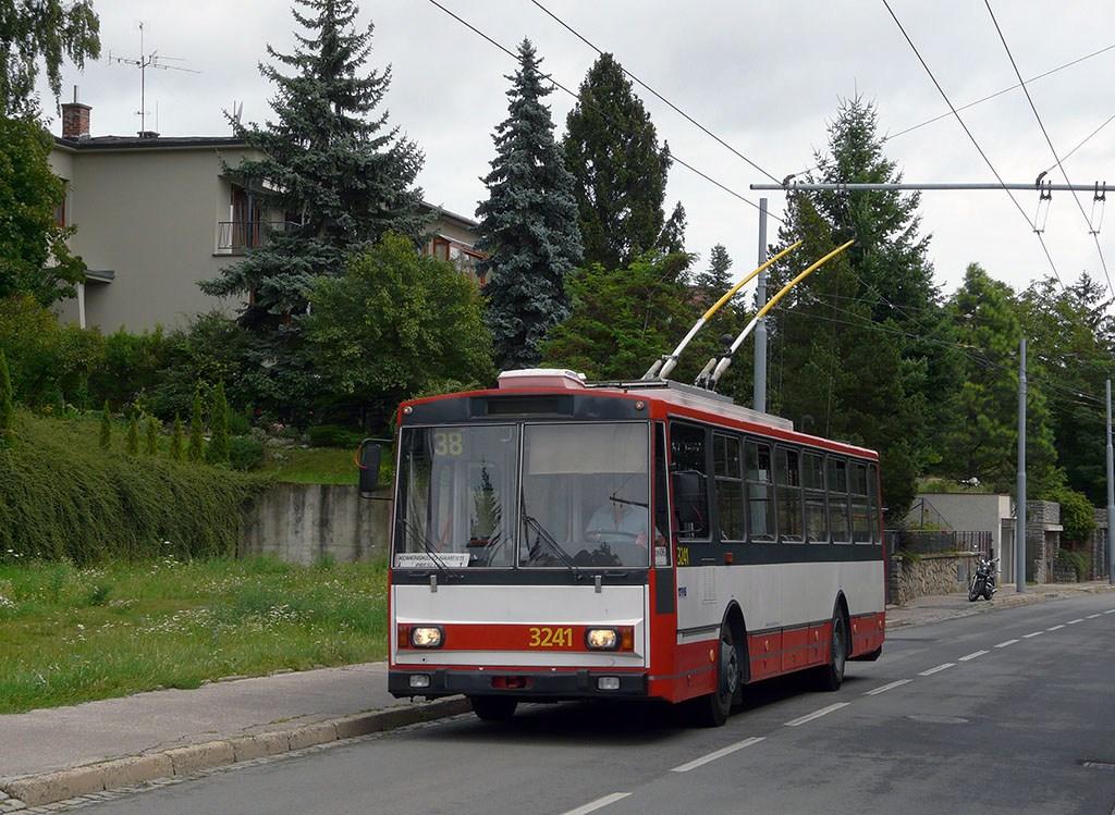 Fotogalerie » Škoda 14Tr10/6 3241   Brno   Masarykova Čtvrť   Preslova