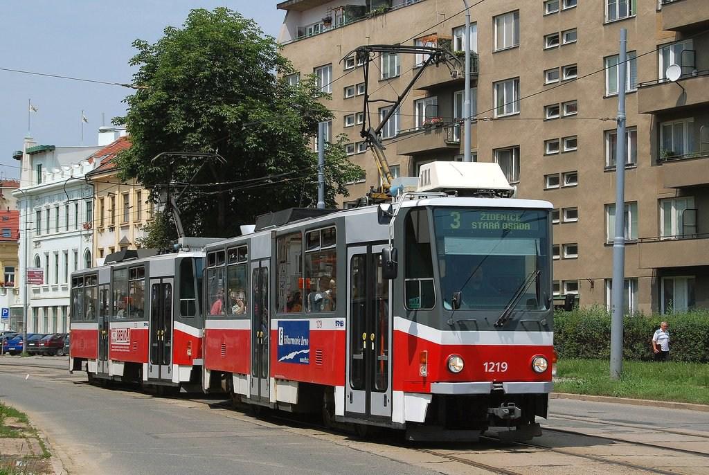 Fotogalerie » ČKD DS T6A5 1219 | ČKD DS T6A5 1220 | Brno | Žabovřesky | Veveří