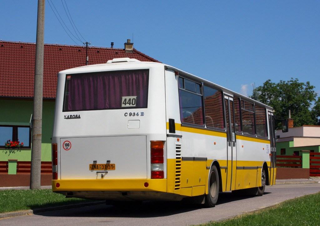 Fotogalerie » Karosa C934E.1351 ZNA 31-31 | Moravský Krumlov | Dvořákova