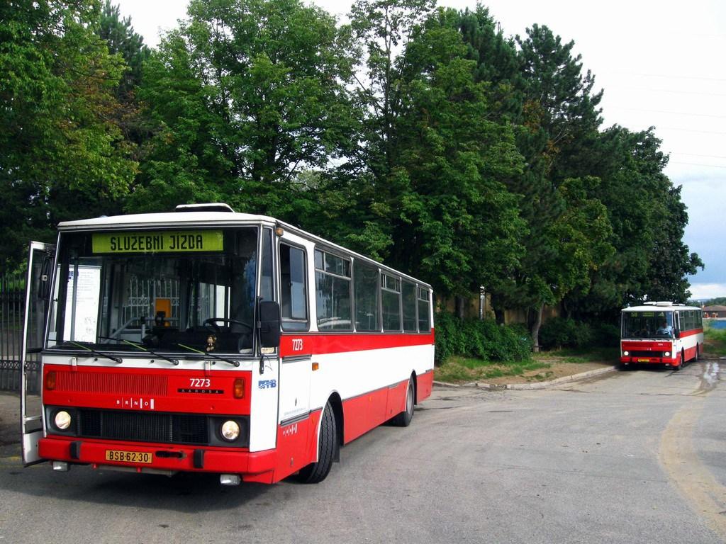 Fotogalerie » Karosa B732.40 7273 | Karosa B732.1654 7368 | Brno | Líšeň | Šimáčkova | Líšeň, hřbitov