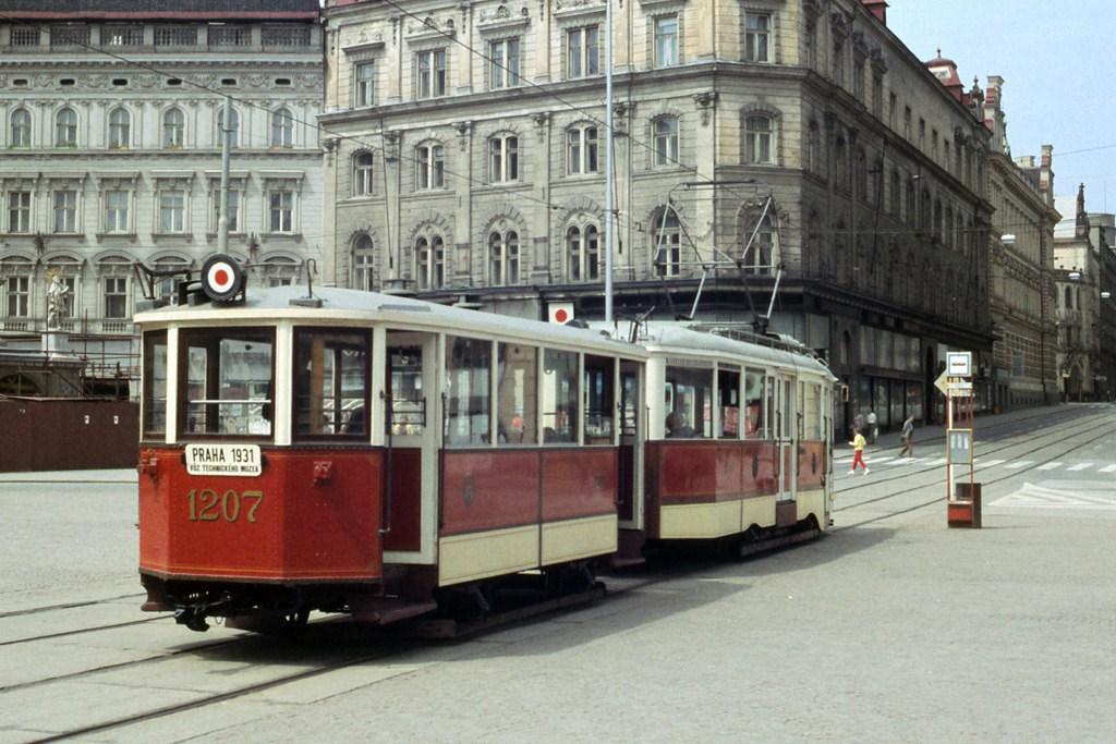 Fotogalerie » DPP 1207   DPP 3005   Brno   střed   náměstí Svobody   Náměstí Svobody