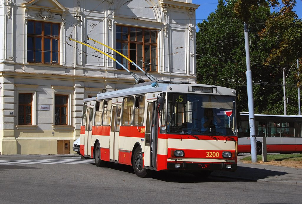 Fotogalerie » Škoda 14Tr07 3200 | Brno | Staré Brno | Mendlovo náměstí | Mendlovo náměstí