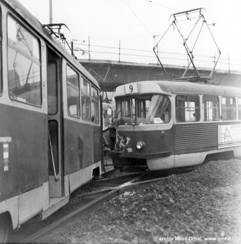 Fotogalerie » Tatra T2R 1458 | ČKD Tatra K2 1028 | Brno | Štýřice | Vídeňská