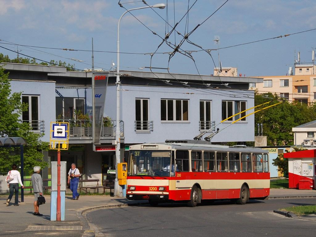 Fotogalerie » Škoda 14Tr07 3200 | Brno | Kohoutovice | Libušina třída | Jírovcova