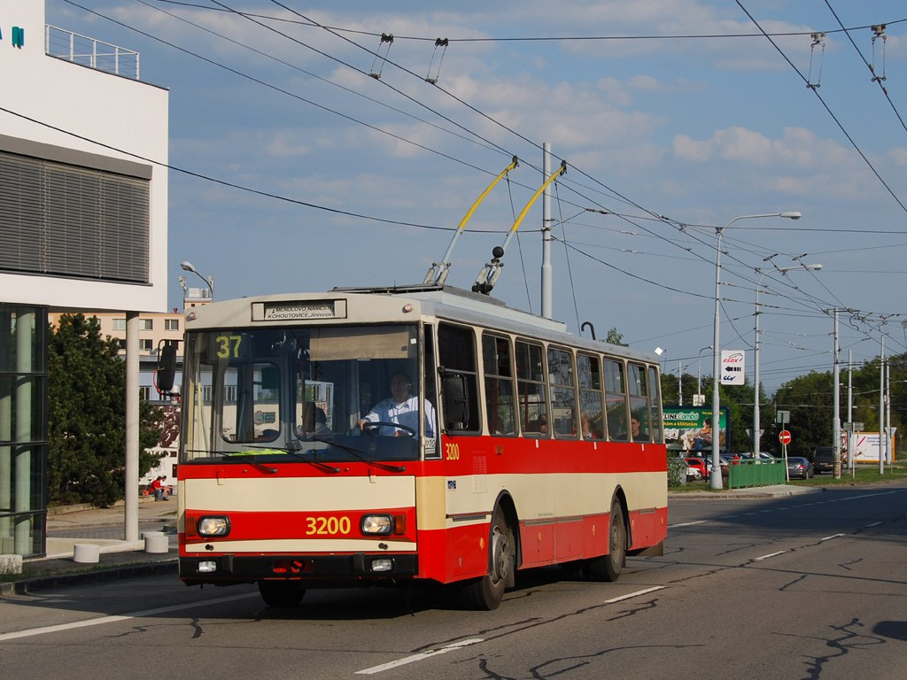Fotogalerie » Škoda 14Tr07 3200 | Brno | Kohoutovice | Libušina třída