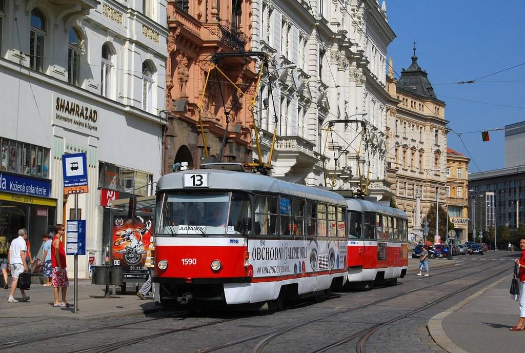 Fotogalerie » ČKD Tatra T3 1590 | ČKD Tatra T3 1511 | Brno | střed | Malinovského náměstí | Malinovského náměstí