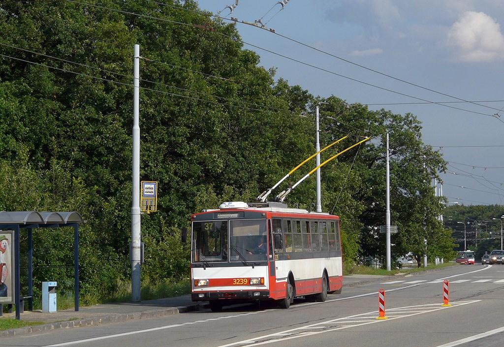 Fotogalerie » Škoda 14Tr10/6 3239 | Brno | Kohoutovice | Libušina třída | Pavlovská