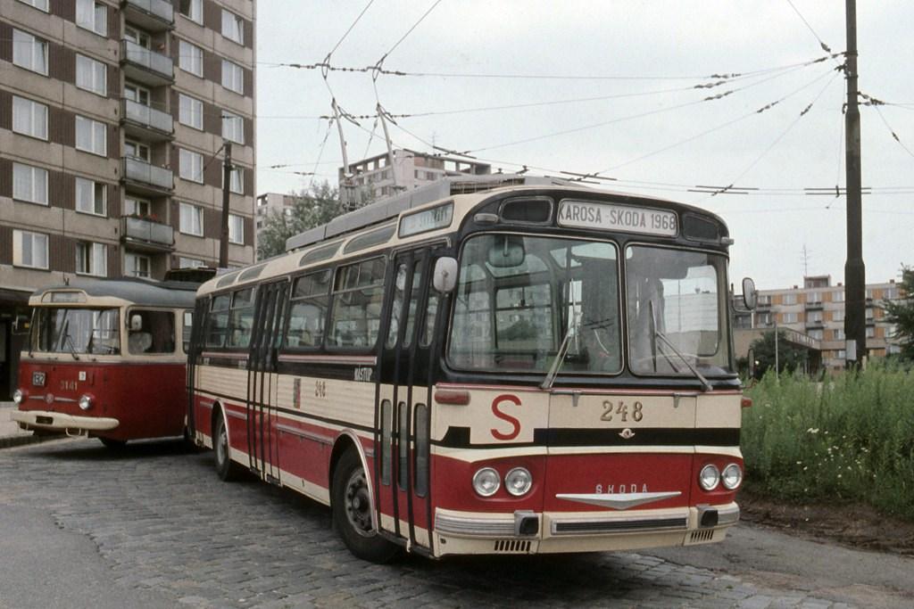 Fotogalerie » Škoda T11/0 248 | Brno | Královo Pole | Srbská, smyčka