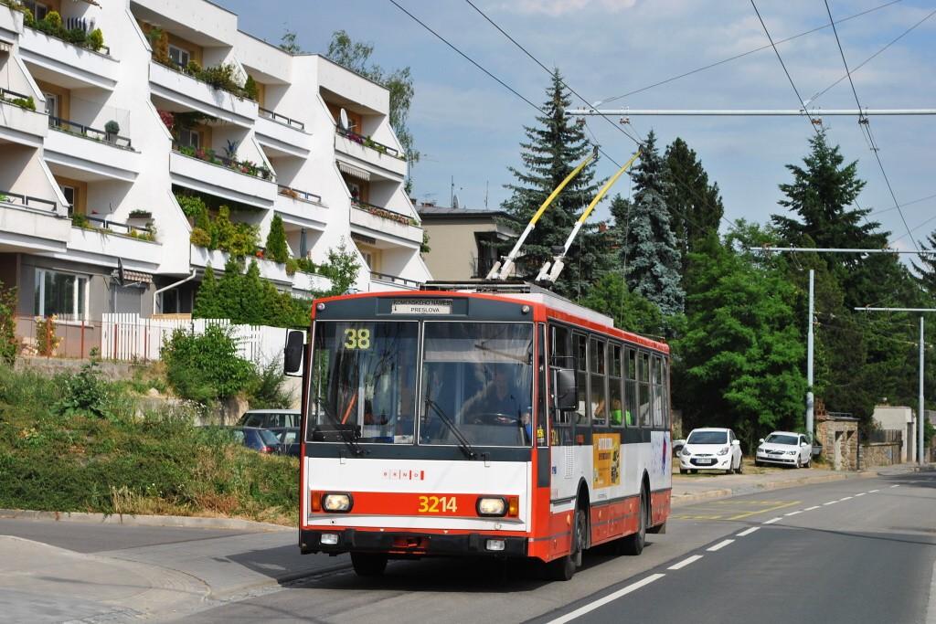 Fotogalerie » Škoda 14Tr08/6 3214 | Brno | Masarykova čtvrť | Preslova | Marie Pujmanové