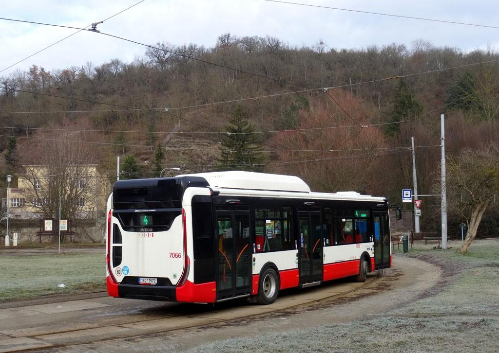 Fotogalerie » Iveco Urbanway 12M CNG 1BC 1572 7066 | Brno | Maloměřice | Obřanská | Babická, smyčka