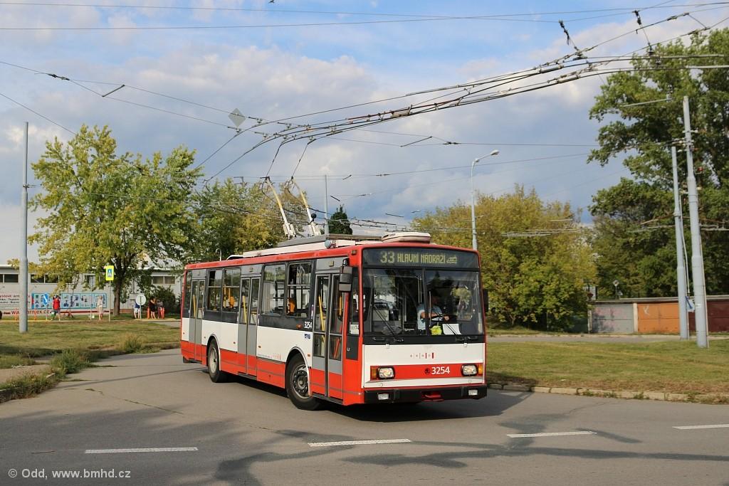 Fotogalerie » Škoda 14TrR 3254 | Brno | Slatina | Mikulčická | Slatina, sídliště