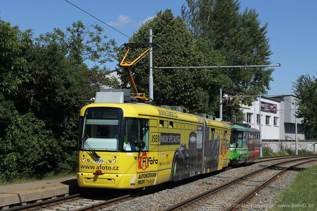 Fotogalerie » Pragoimex VarioLF2R.E 1099   Pragoimex VarioLFR.E 1586   Brno   Žabovřesky   Kníničská