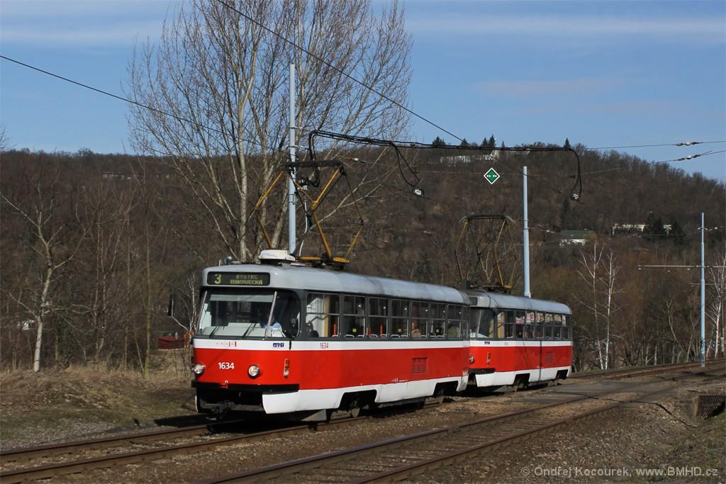 Fotogalerie » ČKD Tatra T3G 1634   ČKD Tatra T3G 1616   Brno   Bystrc   Obvodová