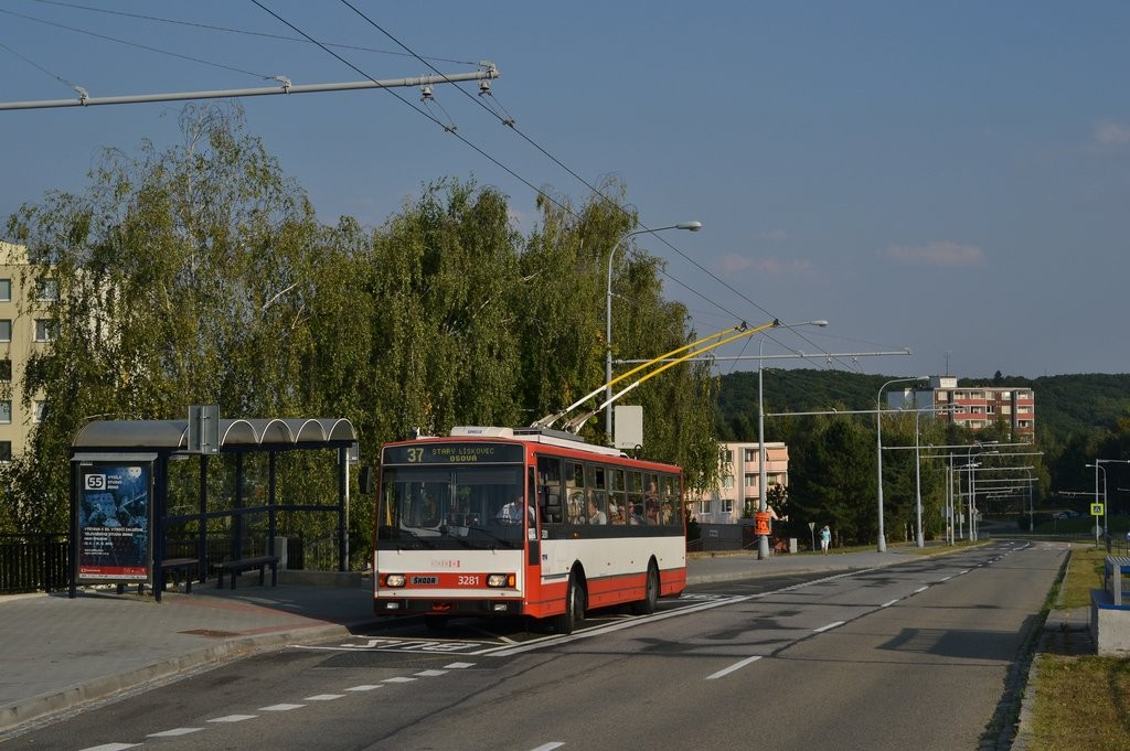 Fotogalerie » Škoda 14Tr17/6M 3281 | Brno | Kohoutovice | Libušina třída | Stamicova