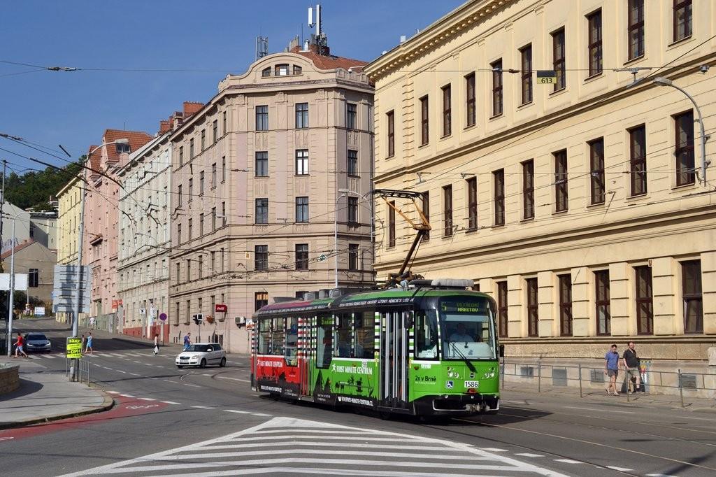 Fotogalerie » Pragoimex VarioLFR.E 1586 | Brno | Staré Brno | Mendlovo náměstí