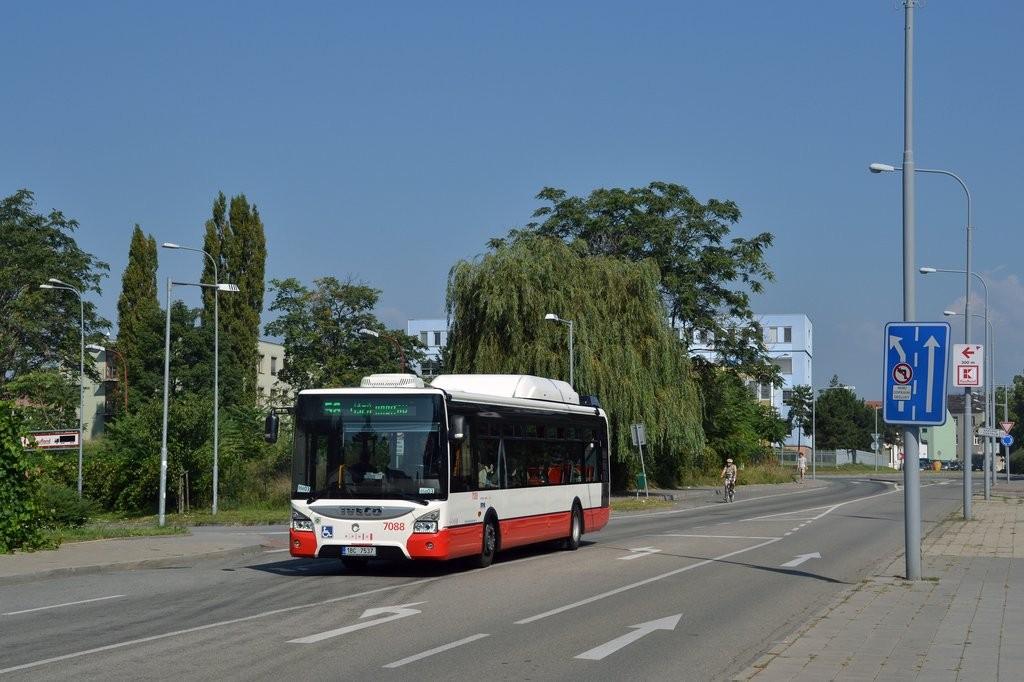 Fotogalerie » Iveco Urbanway 12M CNG 1BC 7537 7088 | Brno | Židenice | Koperníkova