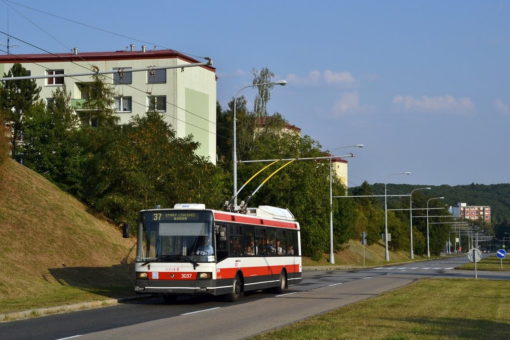 Fotogalerie » Škoda 21Tr 3037 | Brno | Kohoutovice | Libušina třída