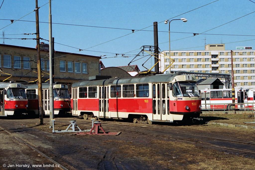 Fotogalerie » ČKD Tatra T3M 1533 | ČKD Tatra T3M 1535 | Brno | Medlánky | Vozovna Medlánky