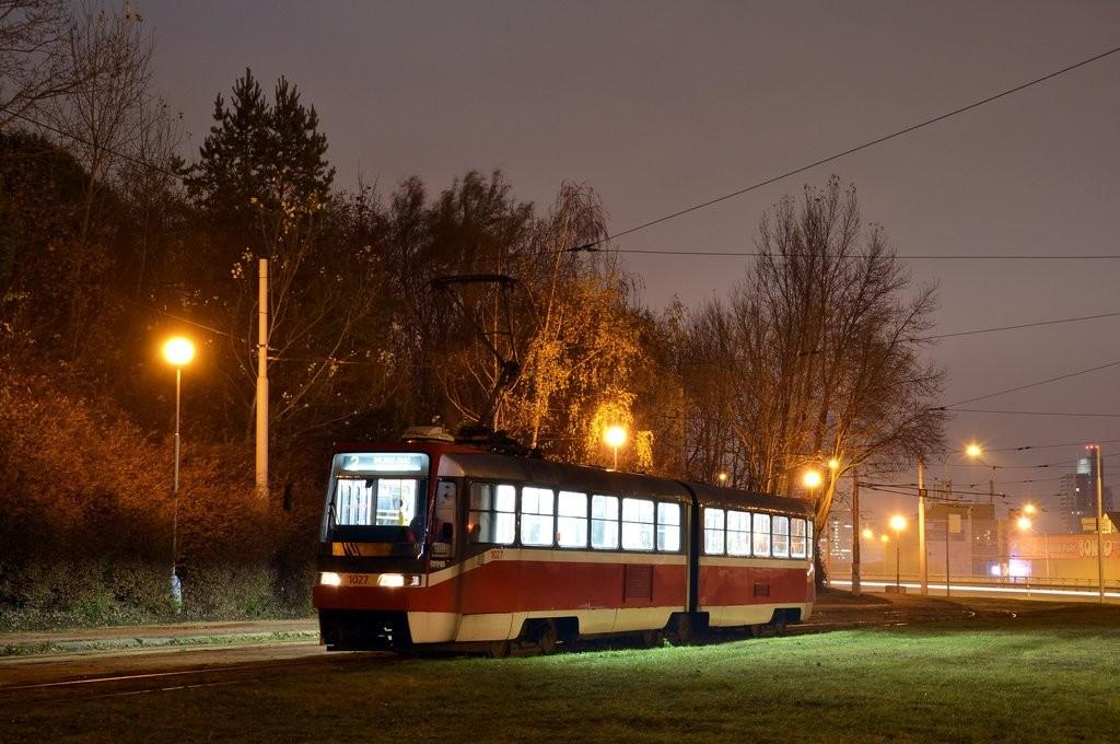 Fotogalerie » ČKD Tatra K2R03 1027 | Brno | Horní Heršpice | Ústřední hřbitov, smyčka