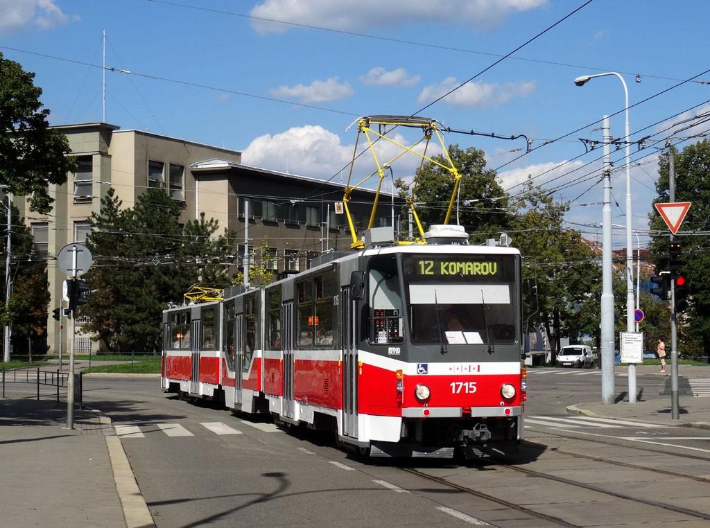 Fotogalerie » ČKD Tatra KT8D5R.N2 1715   Brno   střed   Nerudova
