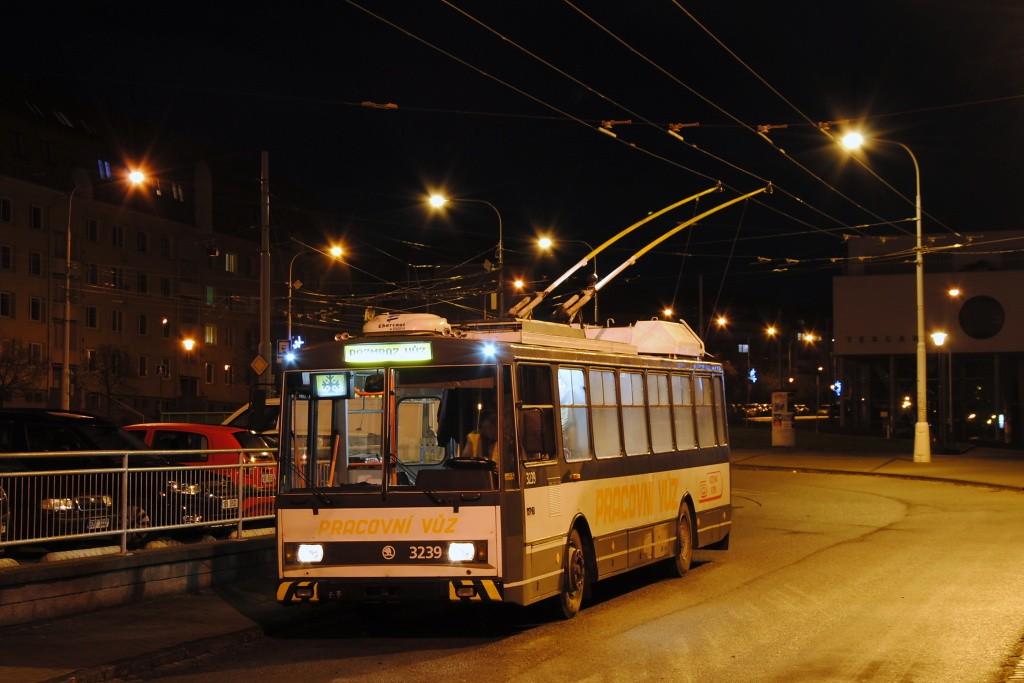 Fotogalerie » Škoda 14Tr10/6 3239 | Brno | Kohoutovice | Libušina třída | Jírovcova