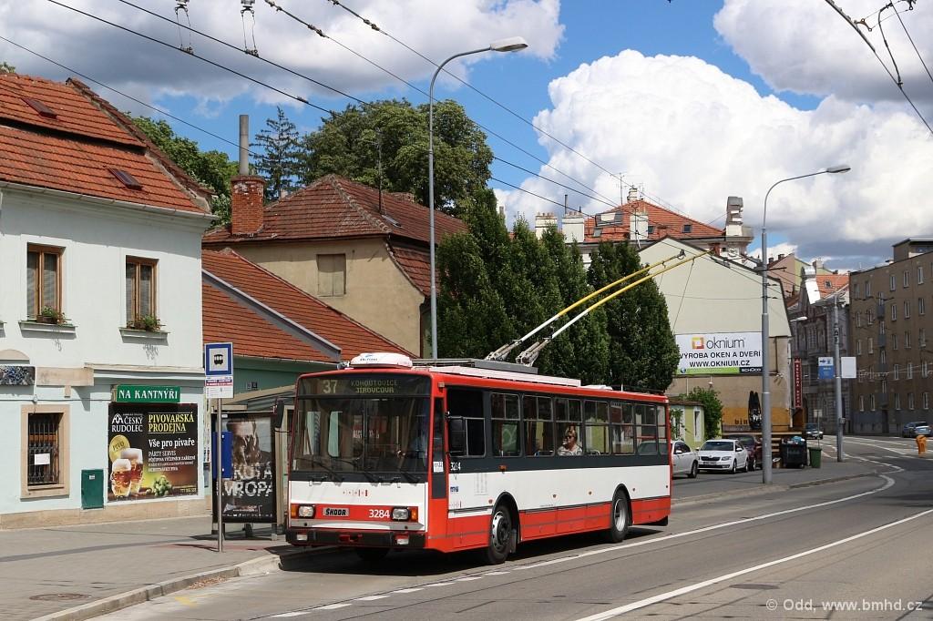 Fotogalerie » Škoda 14Tr17/6M 3284 | Brno | Pisárky | Hlinky | Výstaviště, hlavní vstup