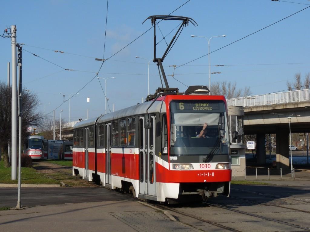Fotogalerie » ČKD Tatra K2R03-P 1030   Brno   Královo Pole   Budovcova