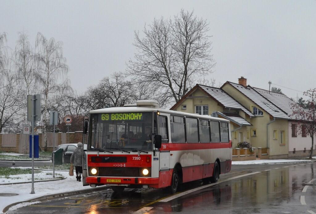 Fotogalerie » Karosa B732.1654.3 BSC 39-62 7390 | Brno | Starý Lískovec | Klobásova | U hřiště