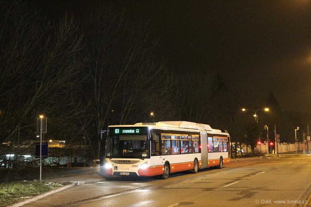 Fotogalerie » Iveco Urbanway 18M CNG 1BT 8122 2002 | Brno | Štýřice | Jihlavská | Ústřední hřbitov