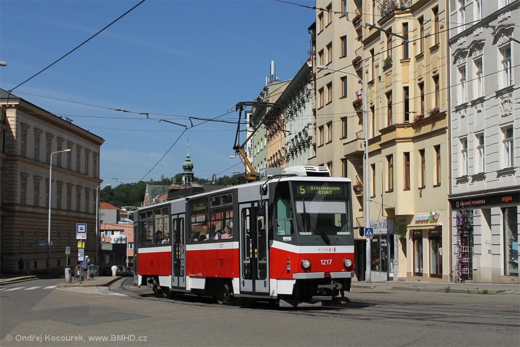 Fotogalerie » ČKD DS T6A5 1217 | Brno | střed | Pekařská | Nemocnice u Svaté Anny