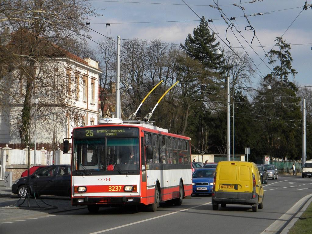 Fotogalerie » Škoda 14TrR 3237 | Brno | Pisárky | Hlinky | Pisárky