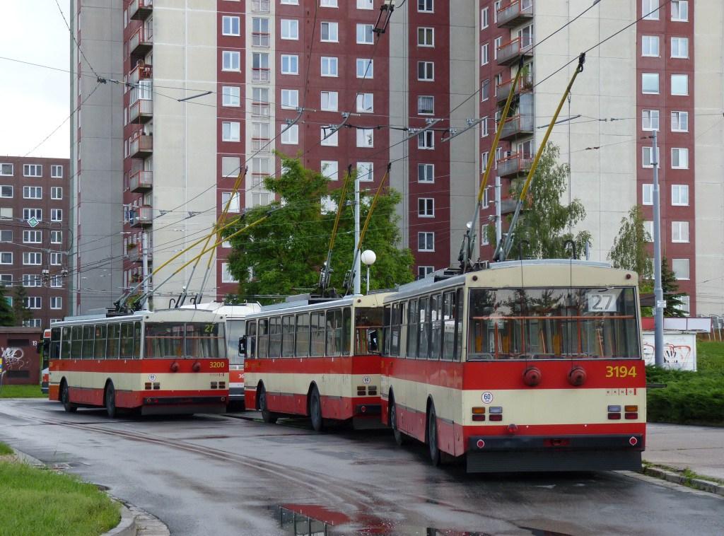 Fotogalerie » Škoda 14Tr07 3194 | Škoda 14Tr07 3200 | Brno | Vinohrady | Pálavské náměstí | Pálavské náměstí